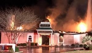 masjid-texas-terbakar