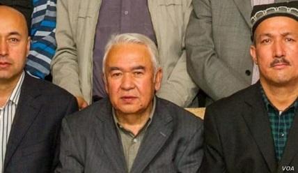 penulis-uighur