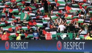 celtic-bentangkan-bendera-palestina